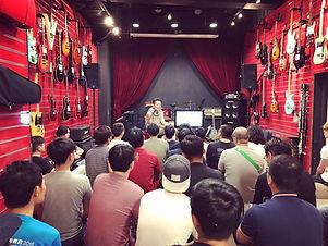 A guitar setup workshop by Hong Kong guitar reparing master Wai-E.