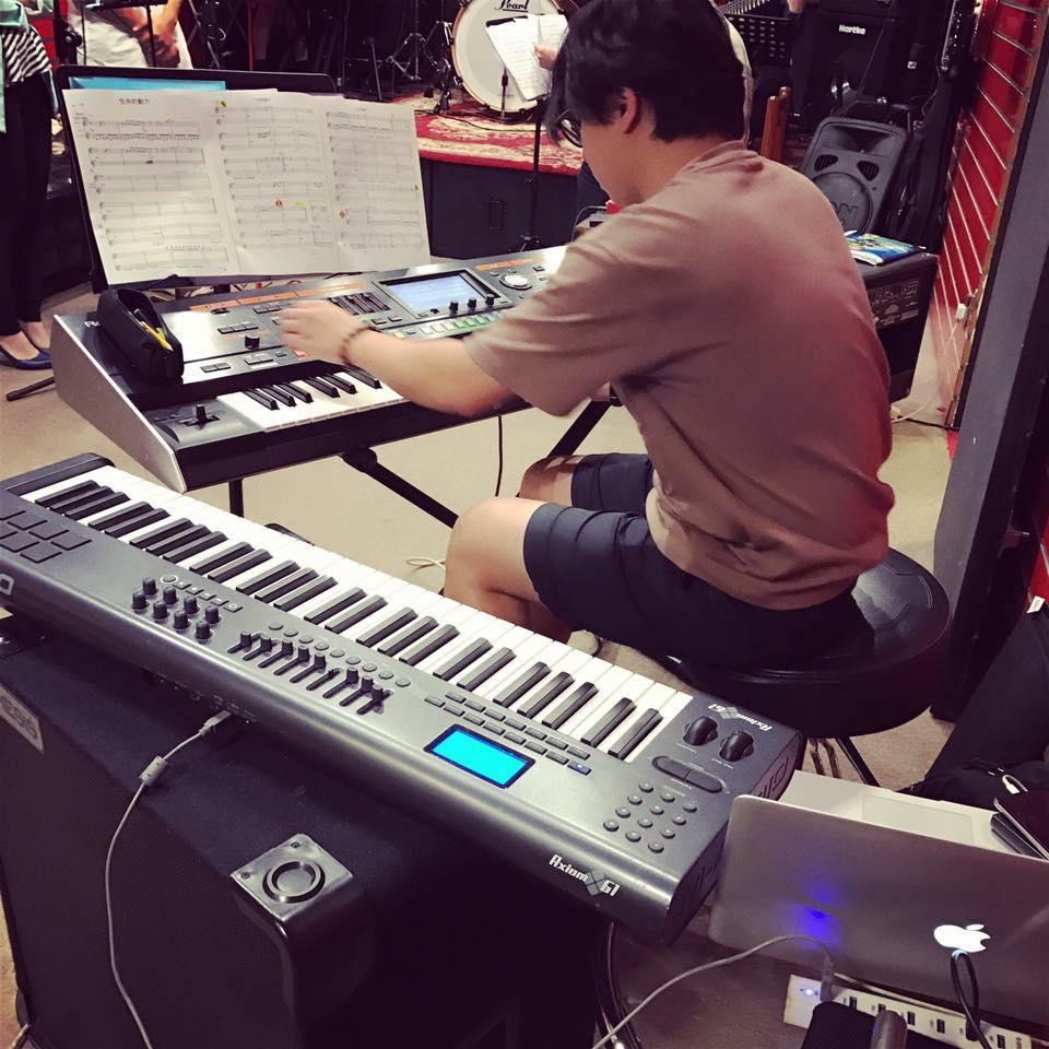 musicians hk.jpg