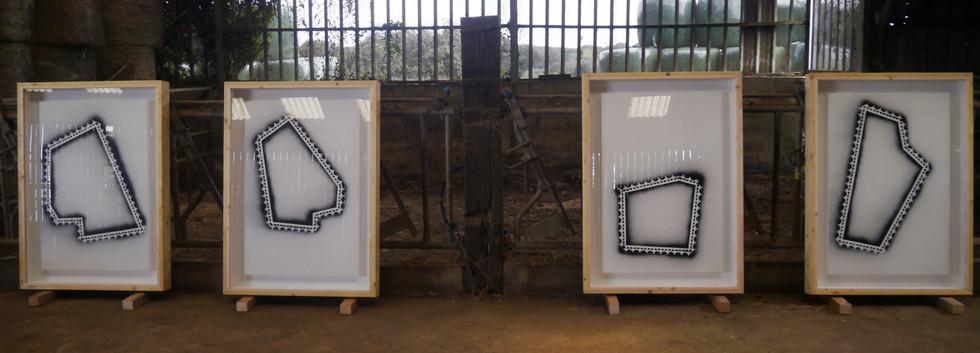 """Agroglyphes"" peinture en bombe sur carton"