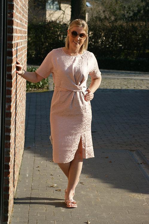 54350 halflange roze jurk met fijn printje Dame Blanche