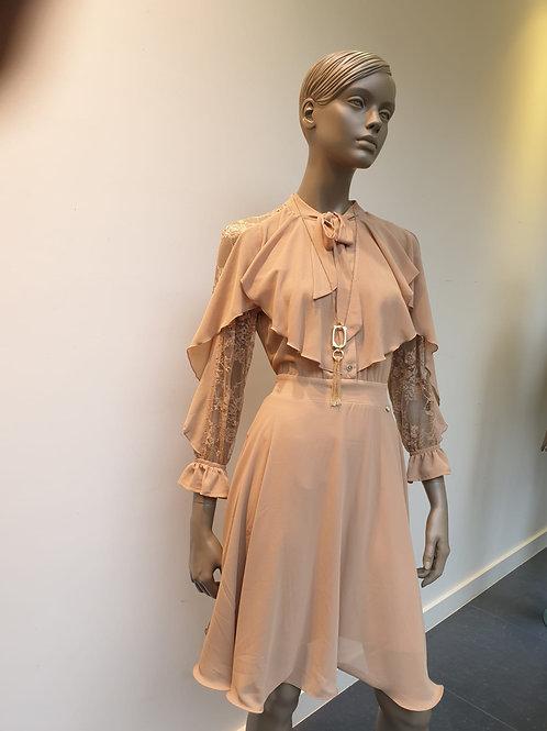 Beige jurk met kant Rinascimento 53416