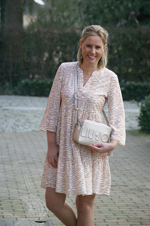 54312 Korte jurk met beige zebraprint Her.