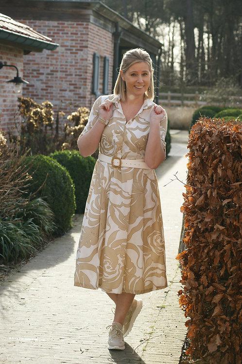 54484 Lange jurk met beige print (inclusief witte riem) Atmos