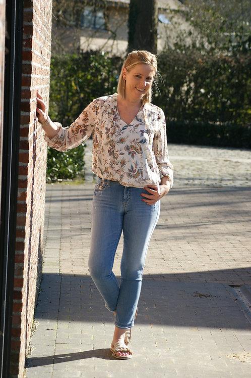 54133 Lichte jeans met strass aan zak model Paris van Cambio