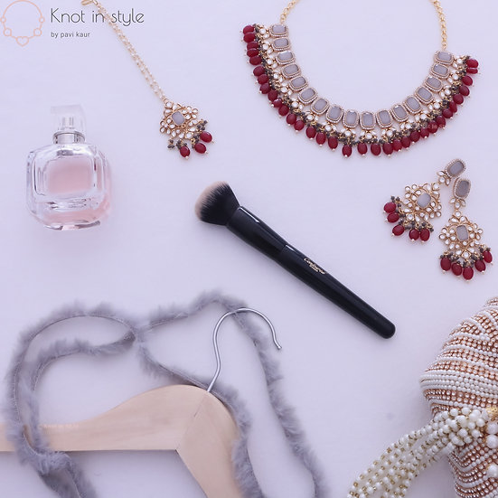 """MILOS"" Kundan necklace set"
