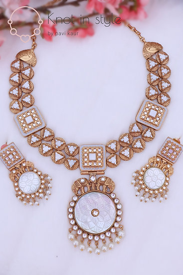 Royal necklace set with earrings
