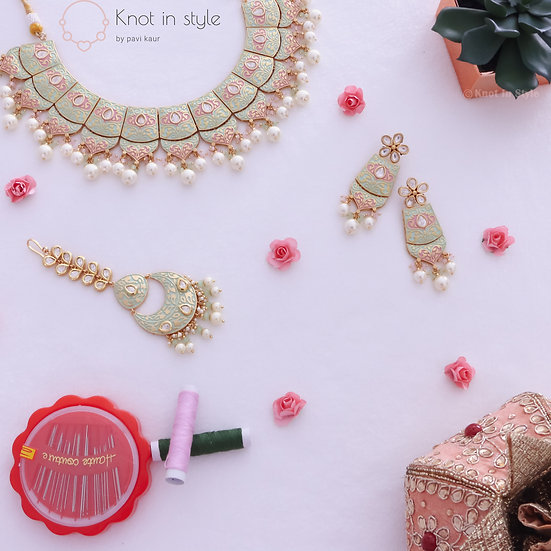 """GUNEET"" Kundan necklace set"