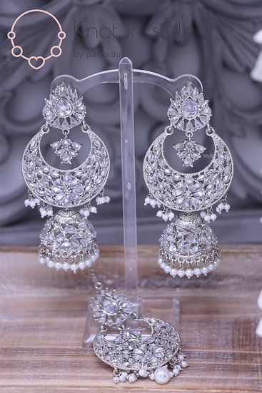 Silver earrings/tikka set