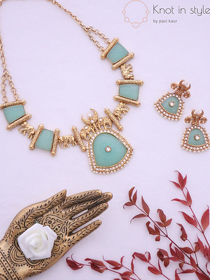 """ALWAR"" necklace set"