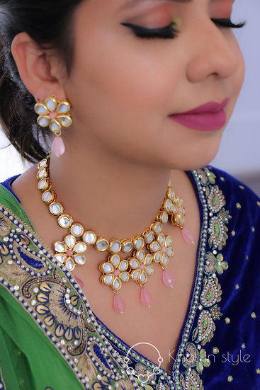 Kundan necklace set with studs