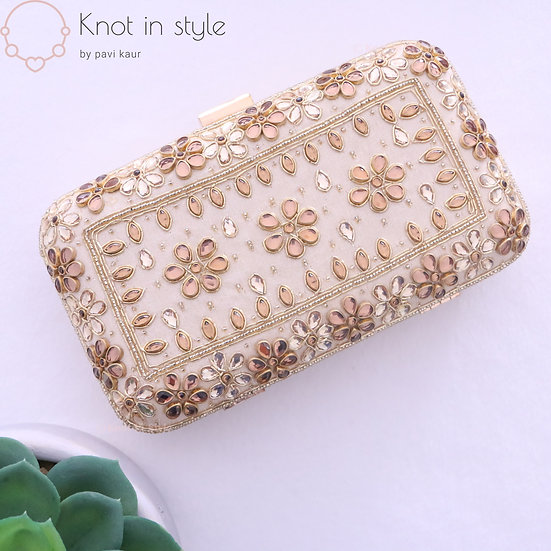 'Antique' clutch