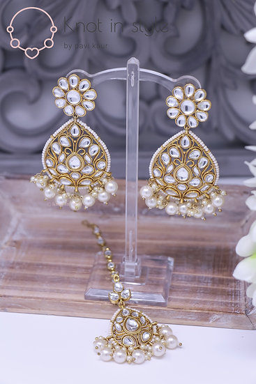 Kundan earrings/tikka set