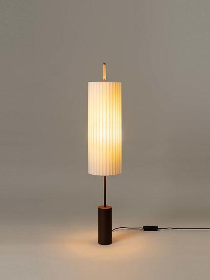 Dórica gulvlampe fra Santa & Cole