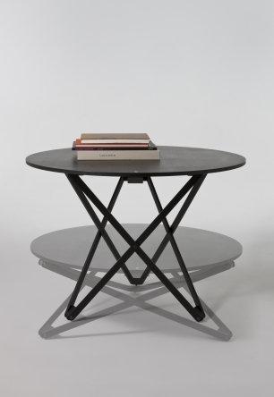 Subeybaja bord heve/senk i sort eik fra Santa & Cole