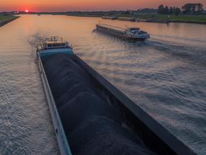 Binnenvaartschip Amsterdam-Rijnkanaal