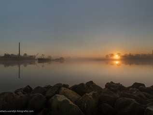 Skyline Ravenswaaij bij zonsopkomst