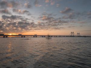 Zonsopkomst bij brug Echteld