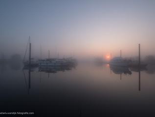 Mist bij jachthaven W.S.V. Maurik