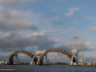 Thema: Sluizen - (spoor)bruggen