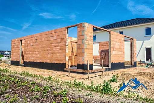 Szerkezetkész ház építése