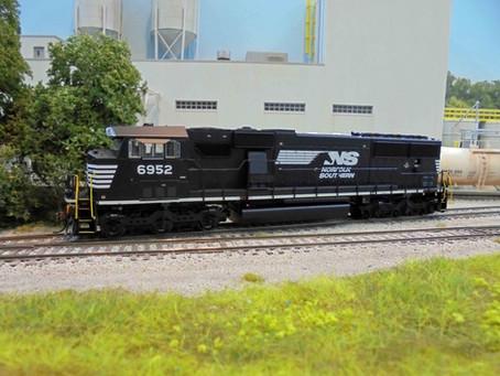Big locomotives, small layout