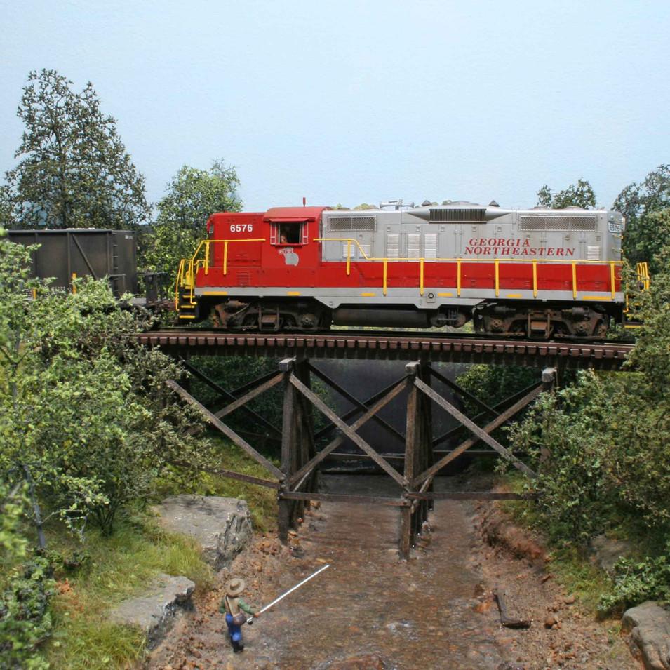 GNRR GP9 locomotive #6576 crosses Long Swamp Creek trestle.