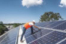 A instalação do painel solar