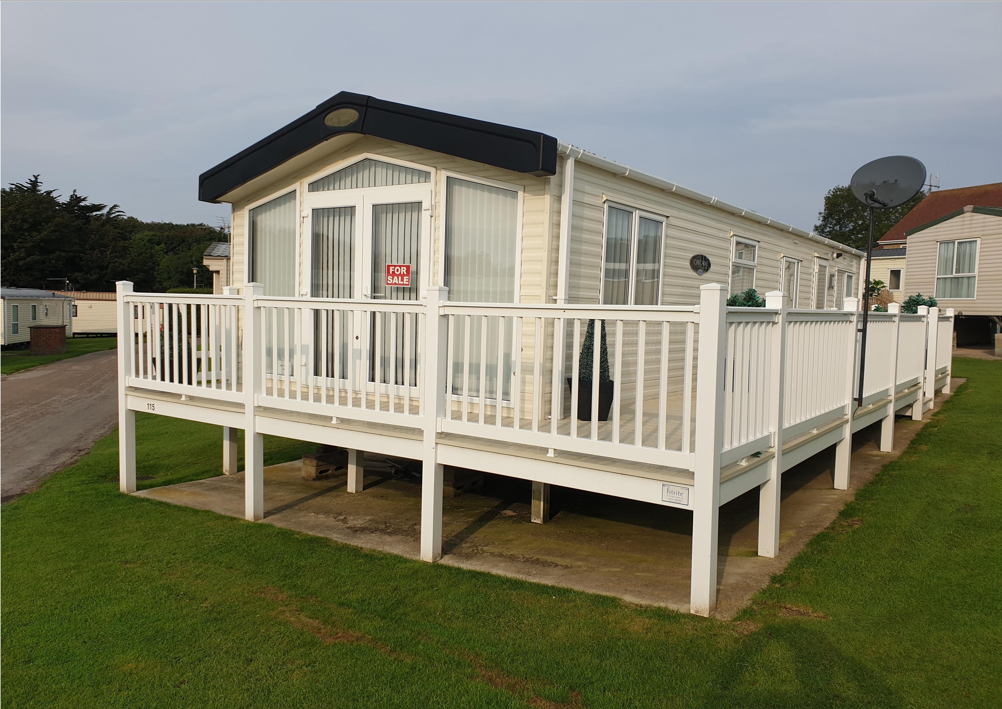 Carnaby Cascade Lodge 37' x 13'