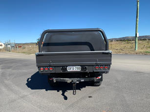 Hilux Canopy 2