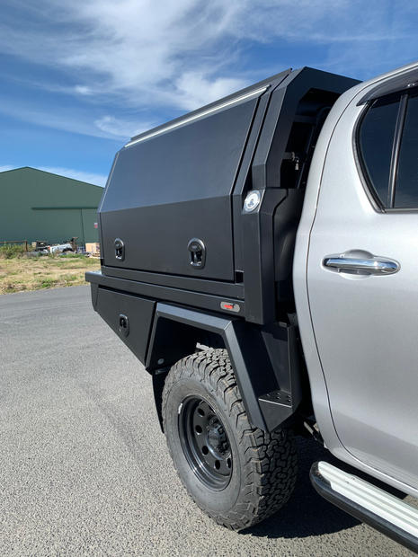 Hilux Canopy 1