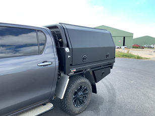 Hilux Canopy 3