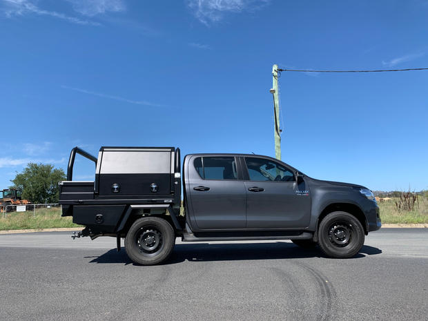 Hilux Canopy 4