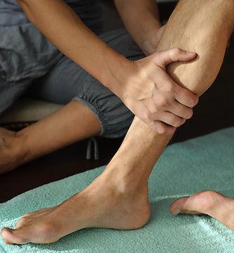 Physiothérapie sur la jambe