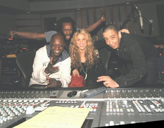 Shakira in the Bulding!!