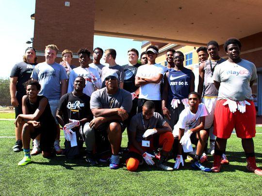 Robbins Talks Life's 'Game Plan' at Youth Football Camp