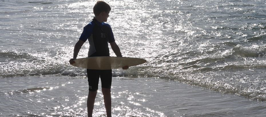 Skimboard Guide In 8 Steps: How To Make A Wood Skimboard?