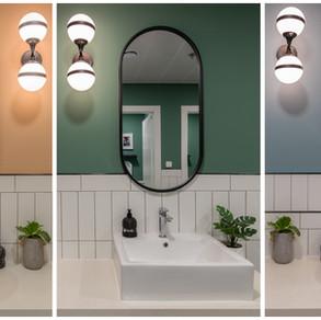 שירותים בשלושה צבעים