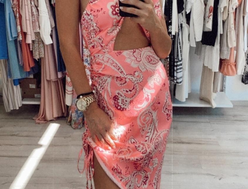 Φόρεμα με ανοίγματα