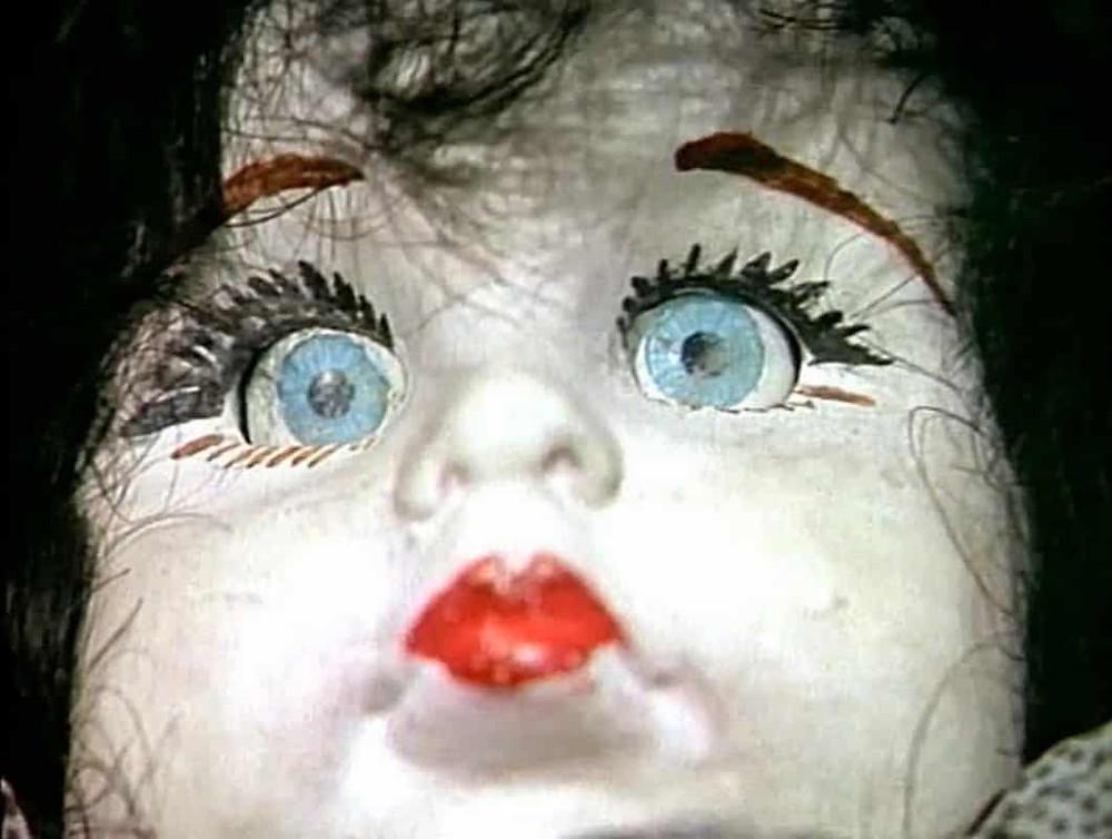 Muñeca poseida