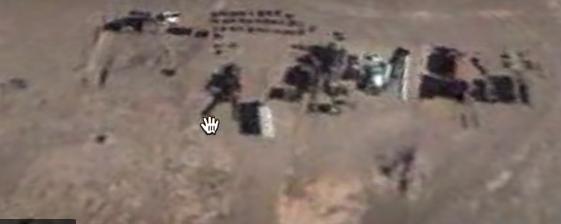 Vista área 51 con un robot gigante