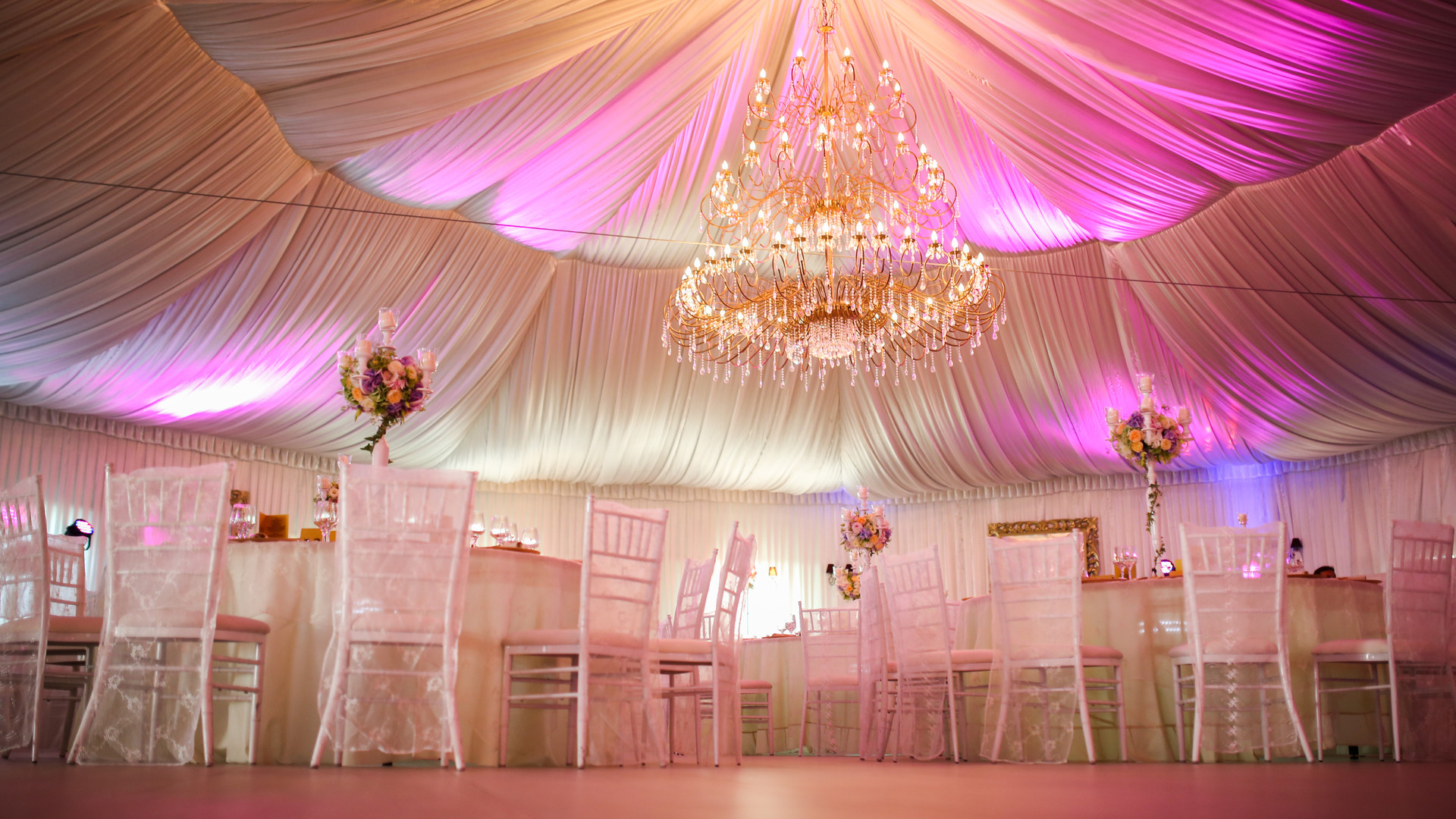 Interior of a wedding tent decoration re