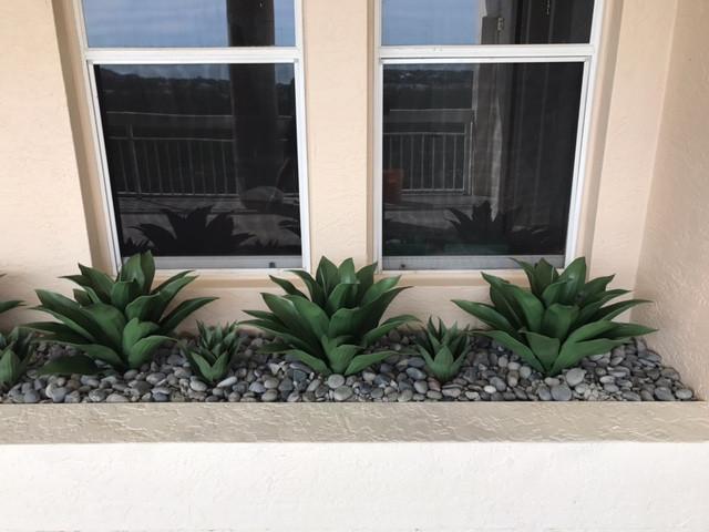 outdoor artificial plants 6447.JPG