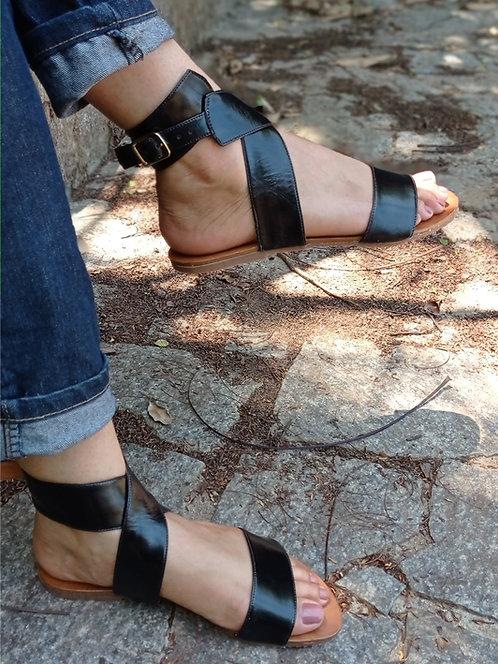 Modelo 587 sandalia feminina em couro legítimo.