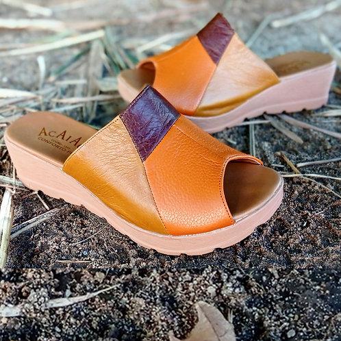 Modelo 7055 sandália em couro legítimo.