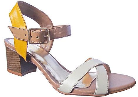 Modelo 2027 sandália feminina em couro