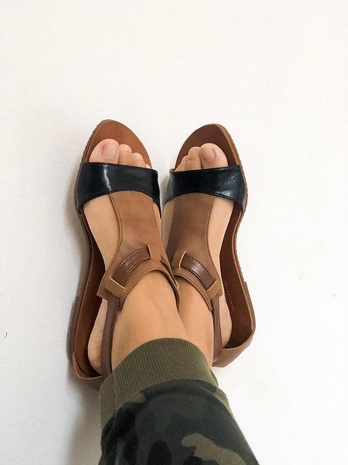 Modelo 828 sandália em couro legítimo.