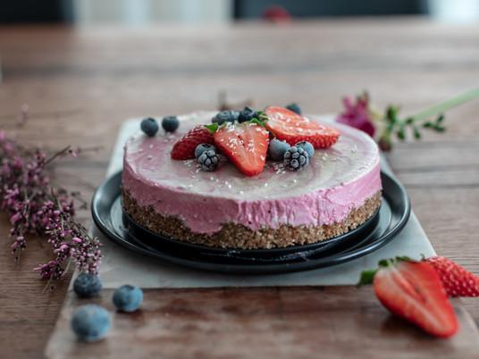 Himbeer Marmor Cheesecake (vegan, glutenfrei, roh)
