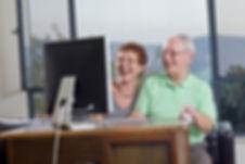 Informática-idosos_invertidos.jpg