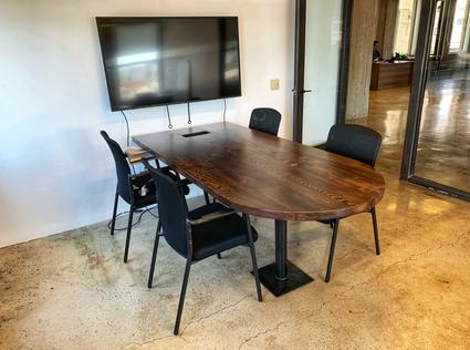 custom huddle tables