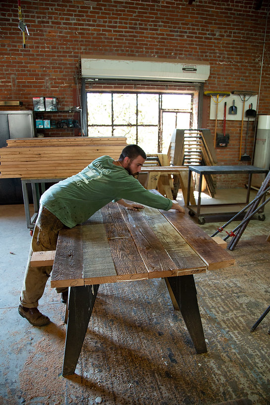 los angeles furniture makers near me